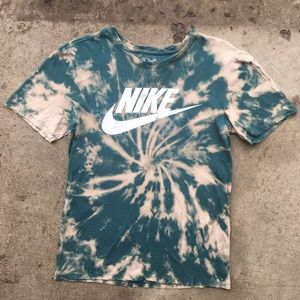 Nike Swoosh Tie Dye. Size Small
